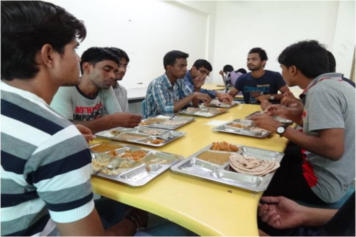 https://cache.careers360.mobi/media/colleges/social-media/media-gallery/722/2018/9/14/Cafeteria Of Central University of Rajasthan Ajmer_Cafeteria.JPG